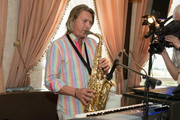 Kāzu muzikants (Kāzu fotogrāfs V. Preimanis)
