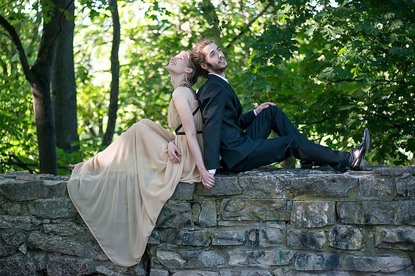 kāzu foto parkā (kāzu fotogrāfs - Valters Preimanis)